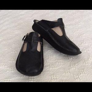 Alegria Black Leather Clog (40)